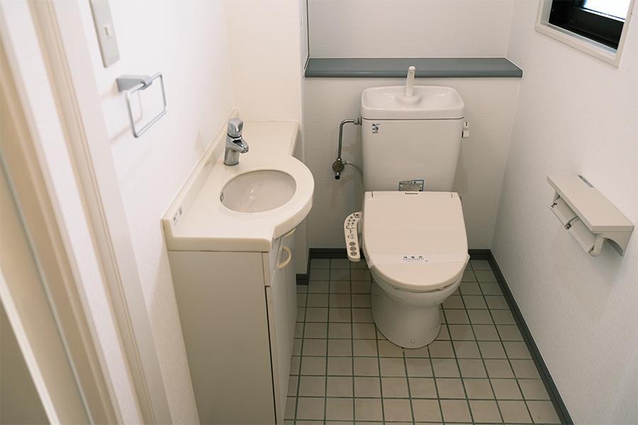 下階トイレ。
