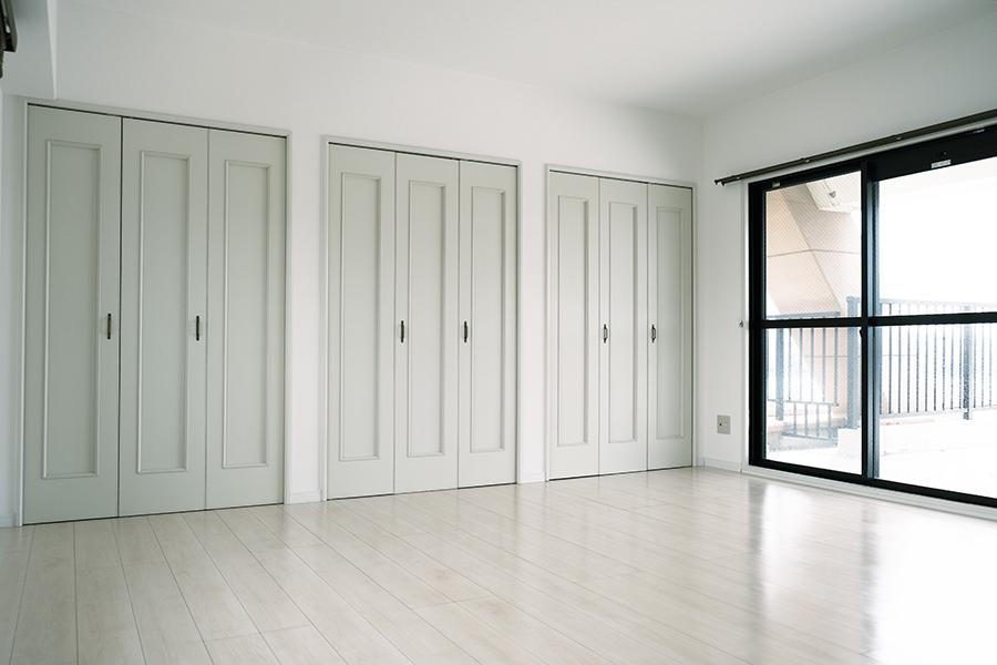 上階洋室。ここからルーバルへ。