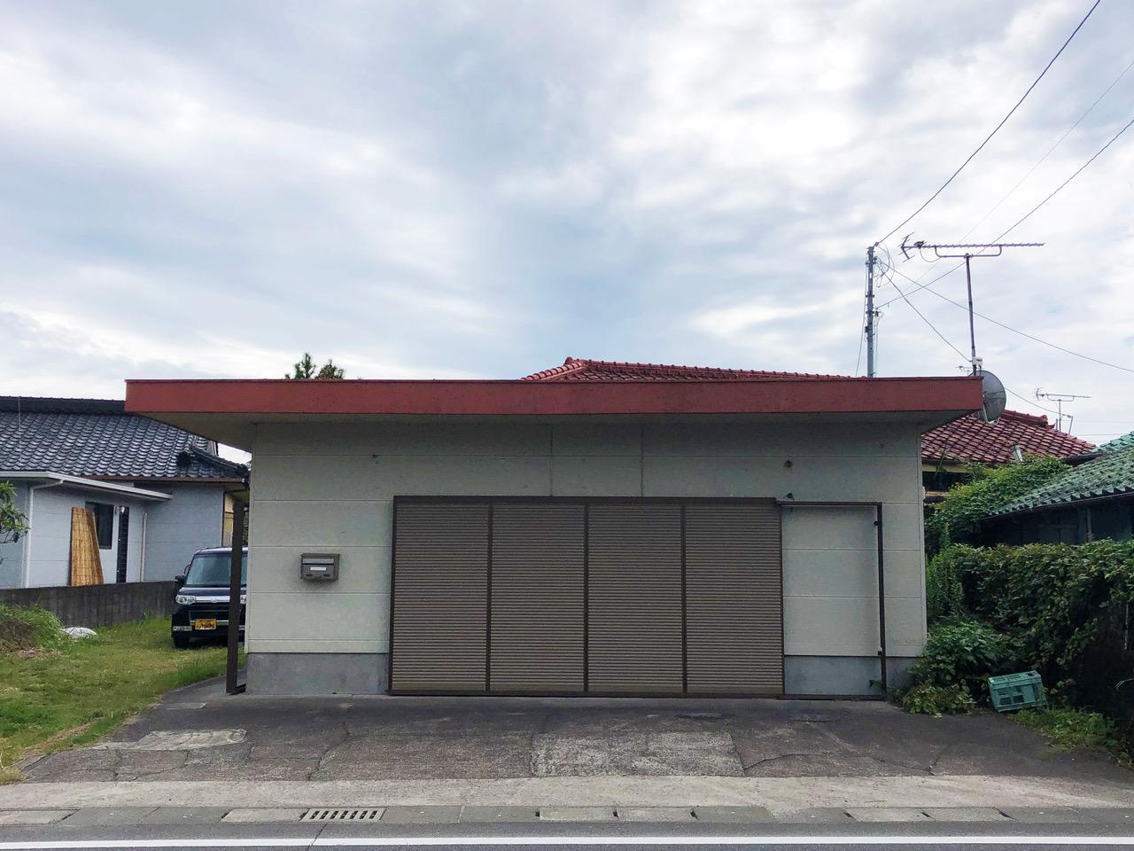 四角い箱と赤い屋根 (姶良市加治木町の物件) - 鹿児島R不動産