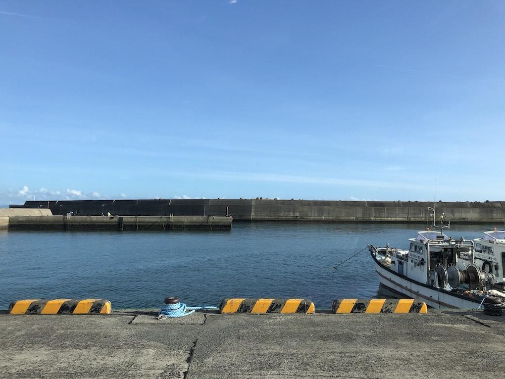 海辺の漁港で釣り三昧