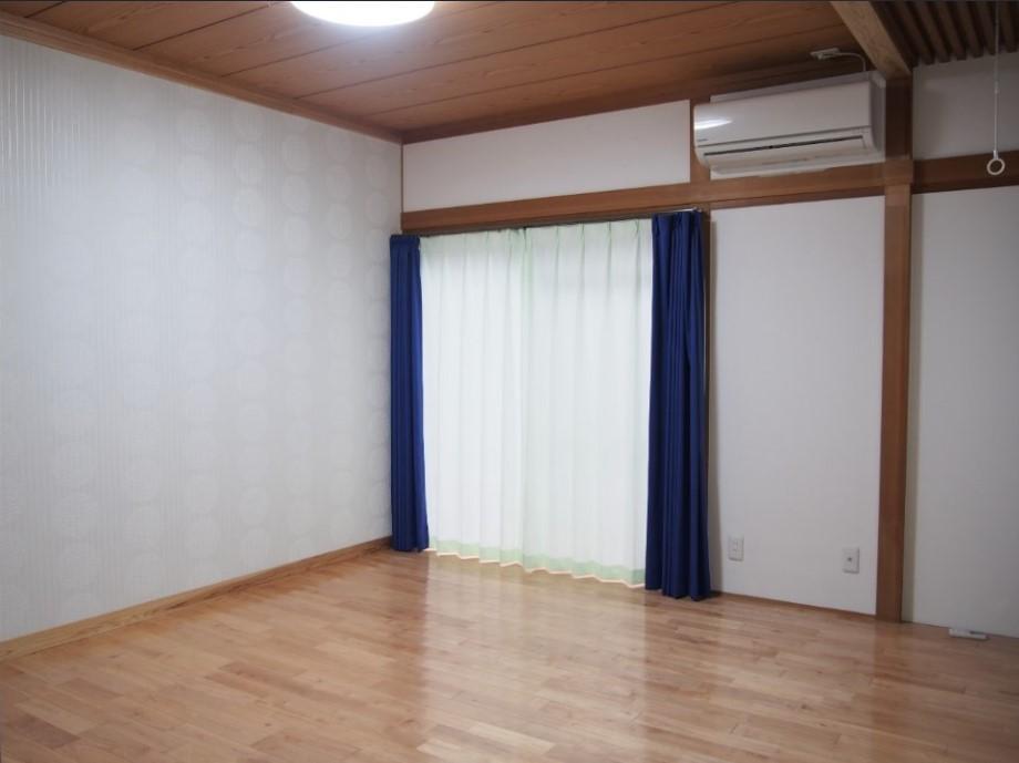 部屋の造りはもちろん、部屋ごとにカーテンの色や壁紙等も変えてある。