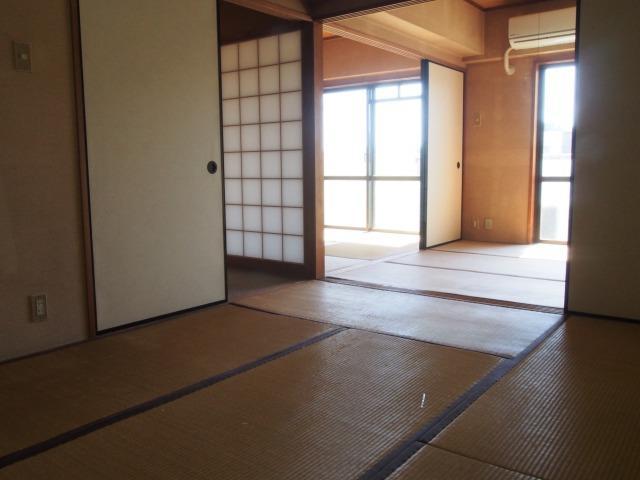 3部屋続く和室。襖を取り外して広々使うのも◎