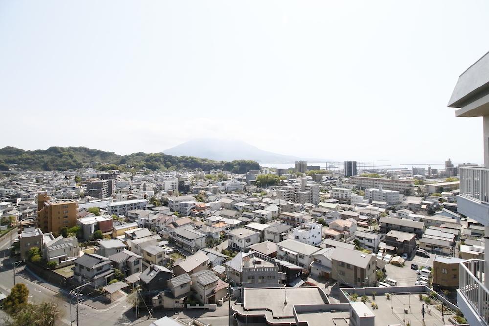 桜島と街並み