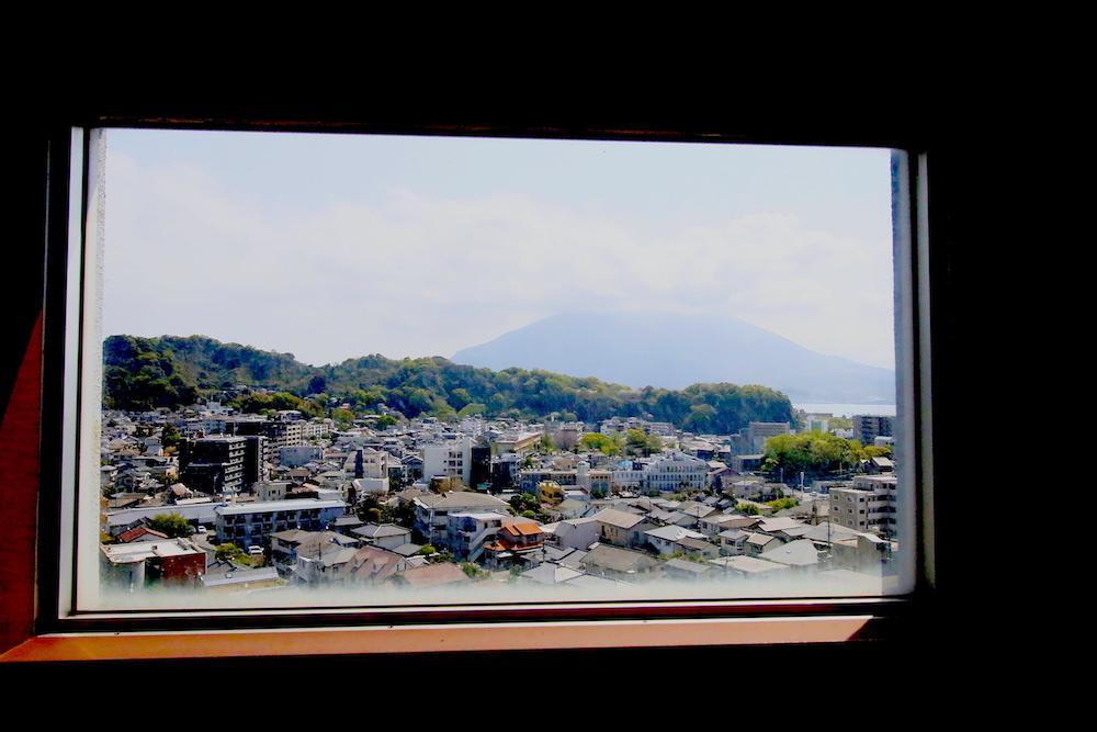 桜島を飾る (鹿児島市上竜尾町の物件) - 鹿児島R不動産