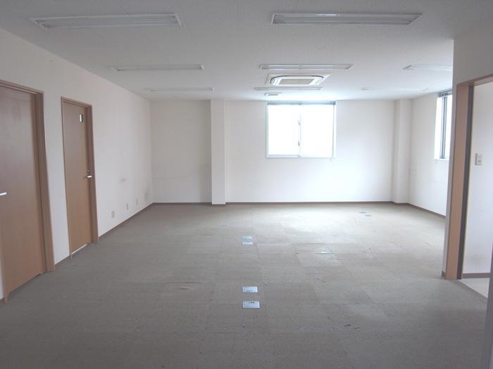 メインの事務所スペース