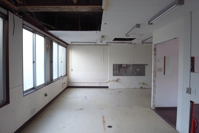物件奥の厨房スペース