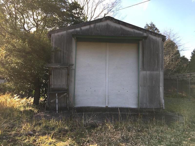 倉庫が建ってます。