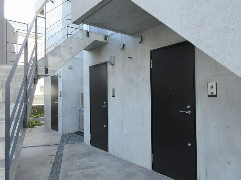 1階の3部屋のドアまわり