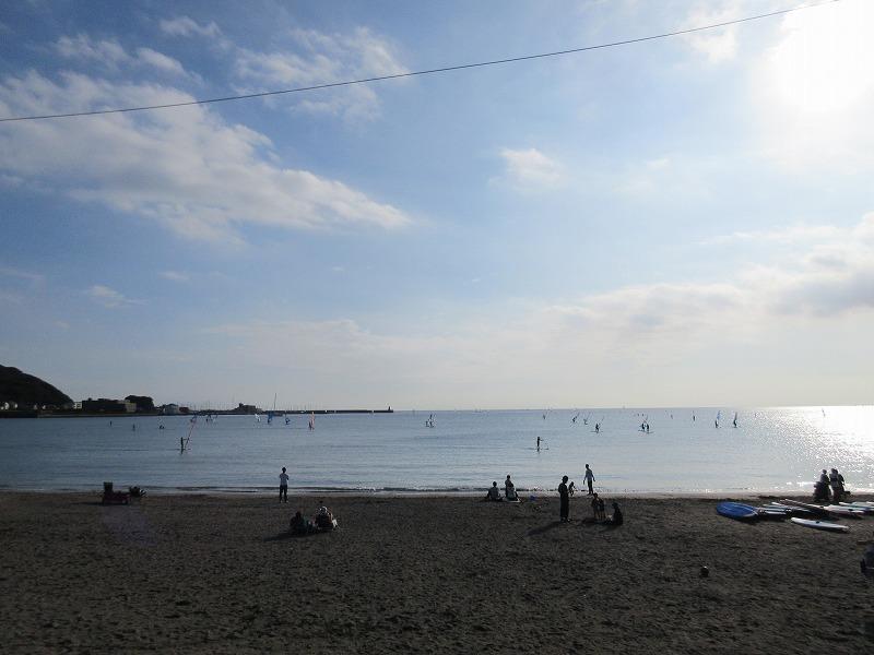 休日の逗子海岸