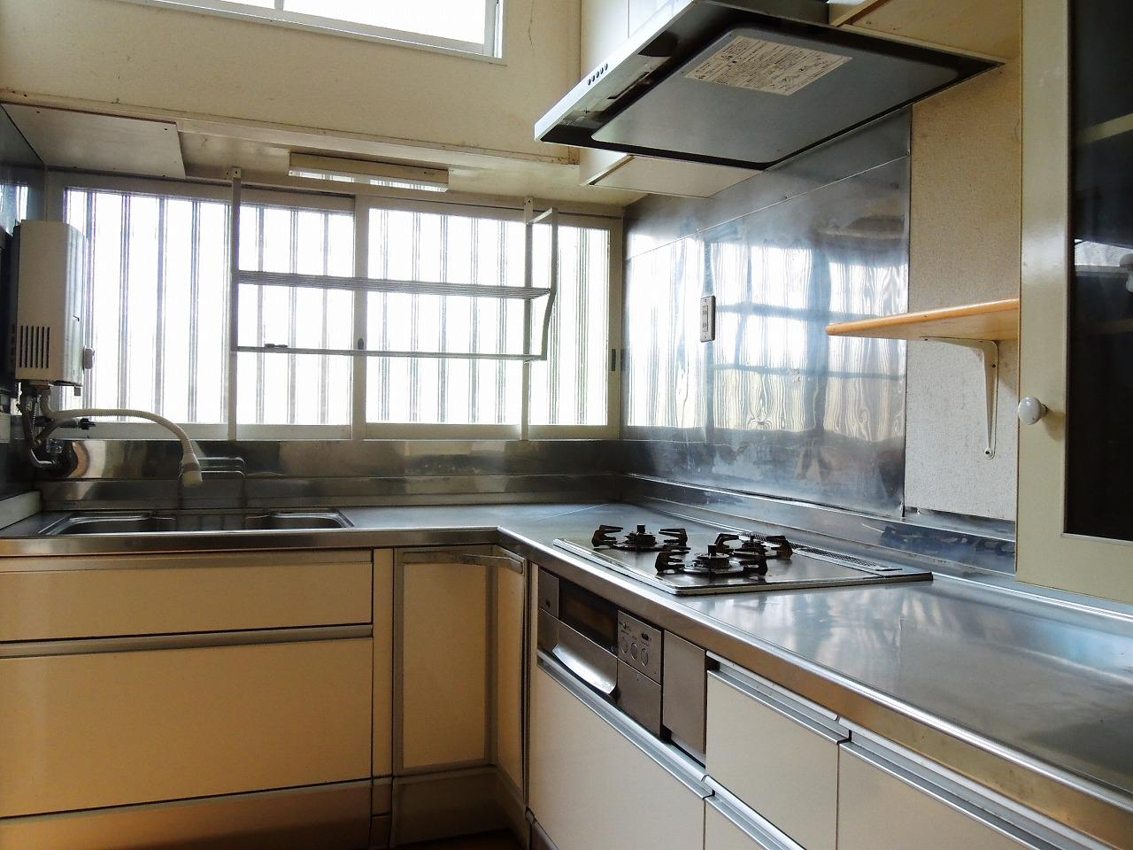 キッチンは清潔感あり