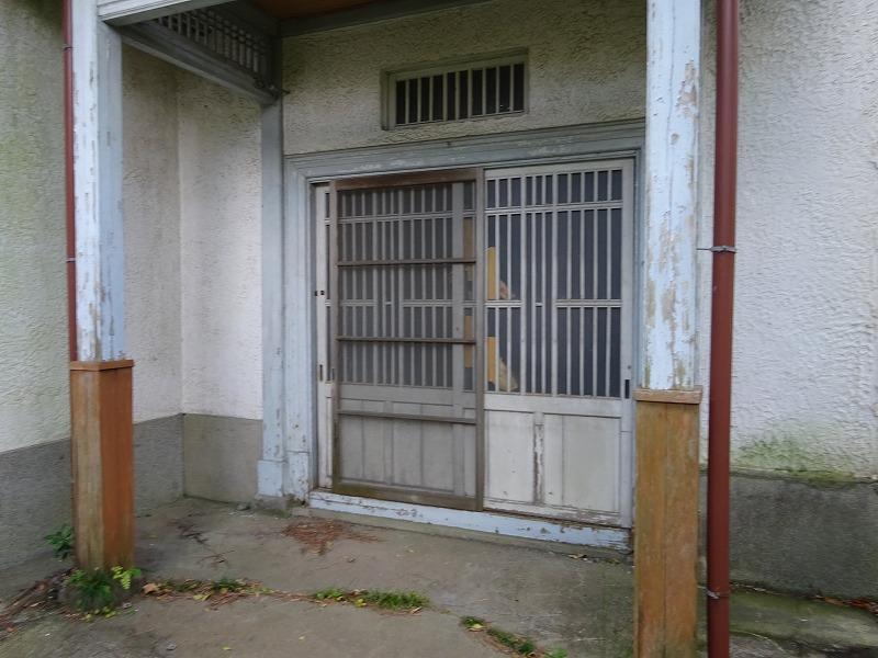敷地内奥戸建て 玄関