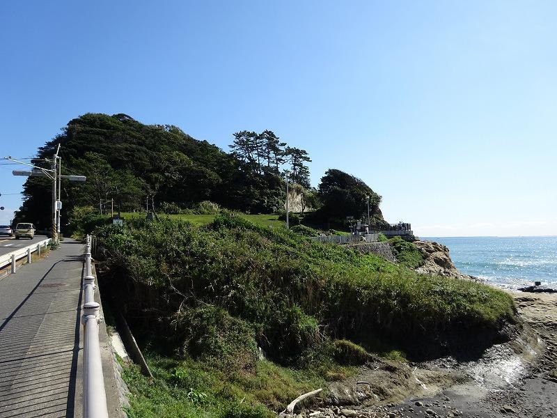 稲村ヶ崎公園まで徒歩1分です