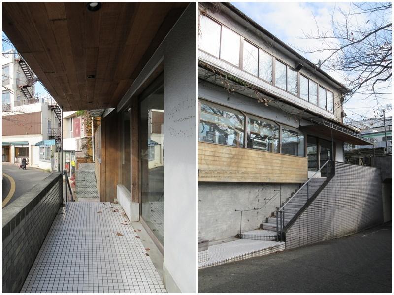 1階のエントランスまわり|地下道の横の階段からも入れる