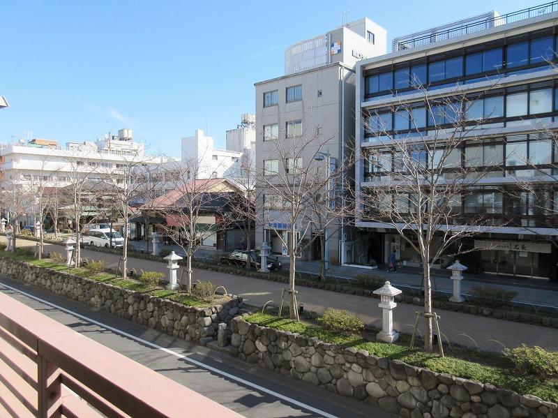 2階|ちょうど段葛の桜が見える位置