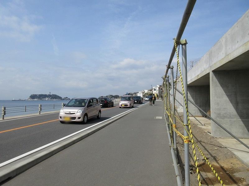 工事中の現地|134号線と海と江ノ島