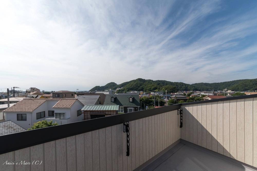 バルコニーからの眺望|空と緑が気持ちいい