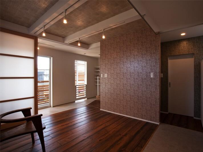 2階の部屋は障子を閉じれば個室っぽく使える