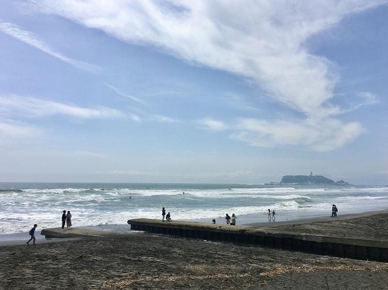 物件の目の前は七里ガ浜の海岸