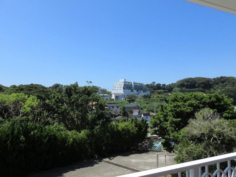 リビング側のバルコニーからの眺望