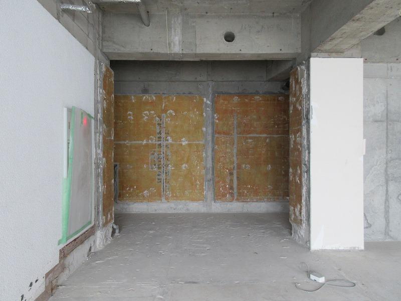 こちらはスケルトンエレベーター側の、水まわりスペースとなりそう