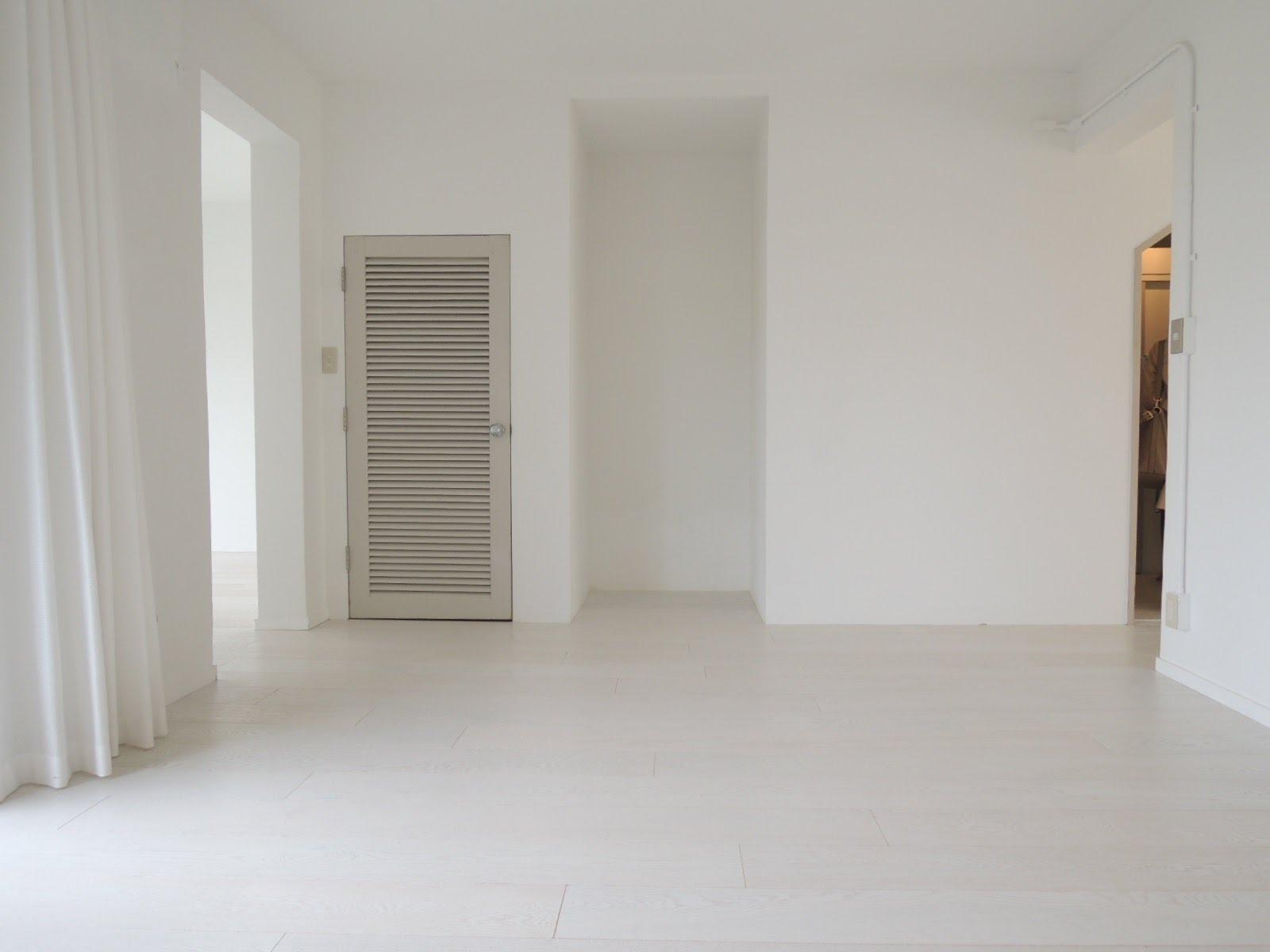 キッチンの横の空間。壁もほぼない