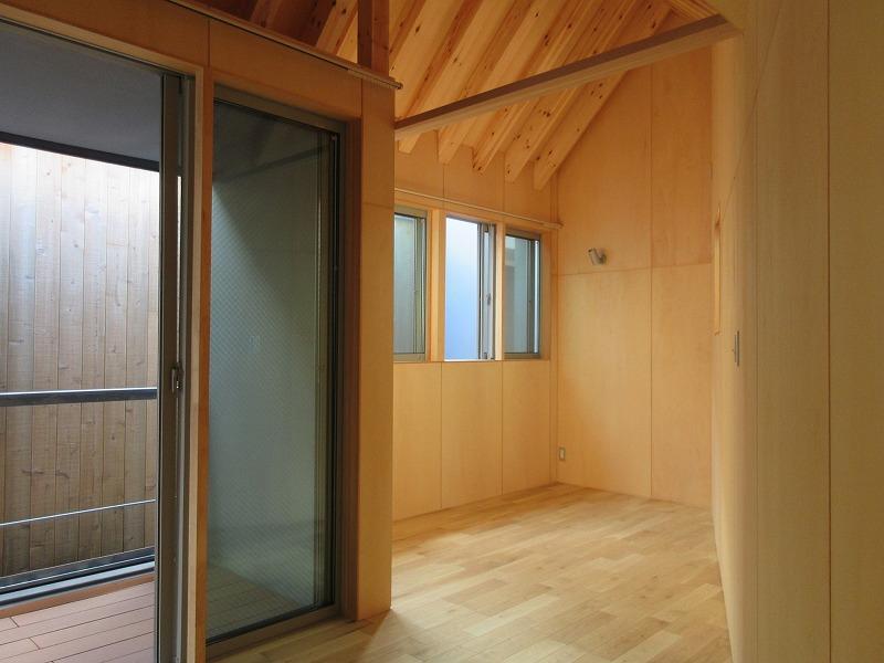 A1|2階は木の風合いを楽しむ空間