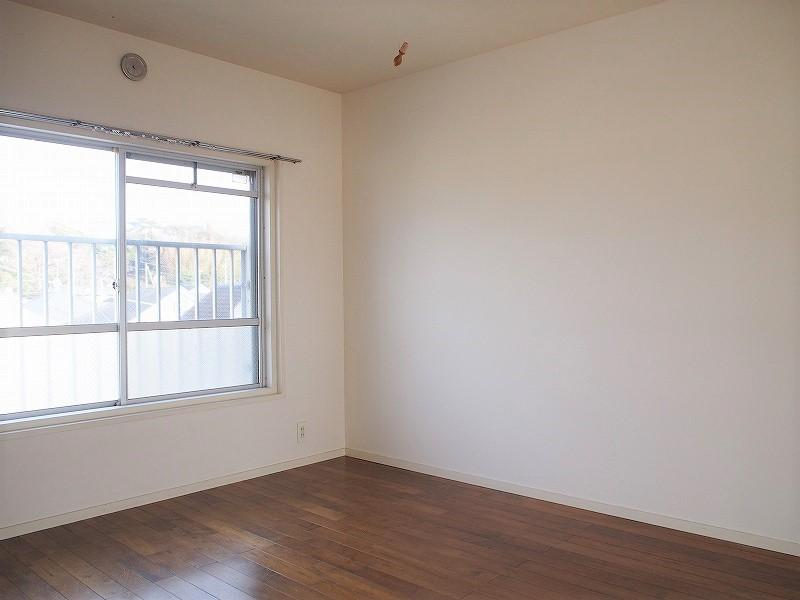 301号室 北側の部屋(LDとの仕切りは現状ありません)