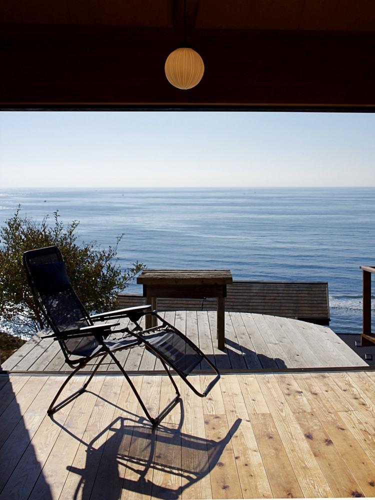 家の中からも海が一望。ゆったりとした時間が流れます