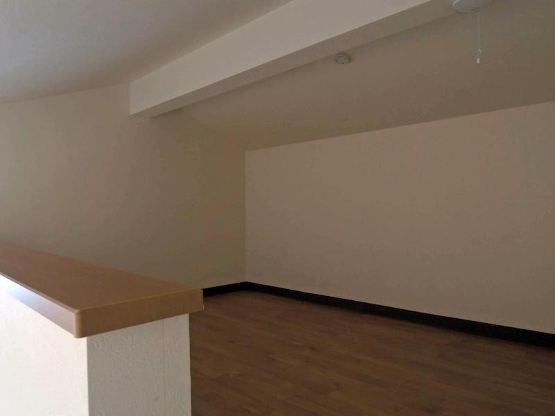 3帖分あるロフト(間取図の黄色部分)は収納にも寝室にも