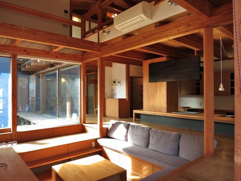 居間と中庭の関係