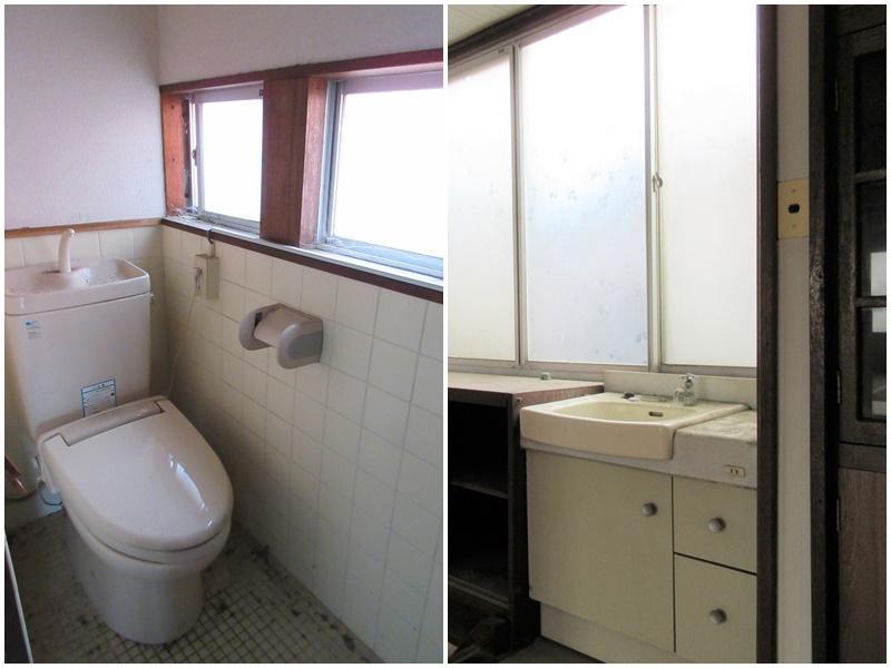2階のトイレ 階段の横になぜか洗面