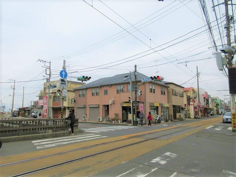 電車通を歩いて、江ノ島駅へ