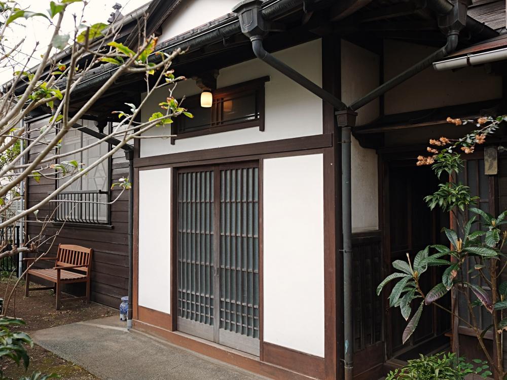 桜山の住宅地にひっそり残っていた和洋折衷の平屋。