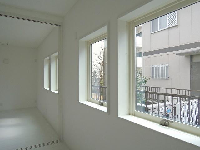 4つ並んだ窓がうれしい