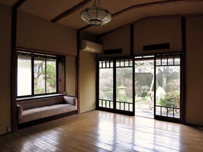 応接間は和洋折衷の鎌倉近代和風邸宅の特徴を持つ