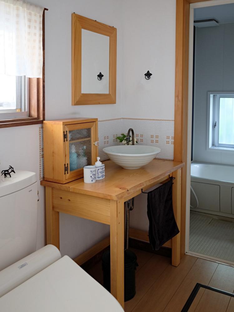 脱衣室・洗面・トイレはキュッとコンパクトに。