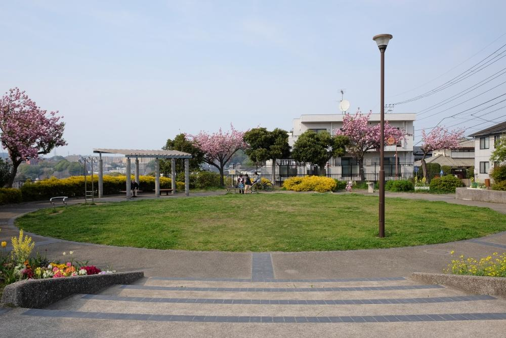 歩いて1分のところにある公園。