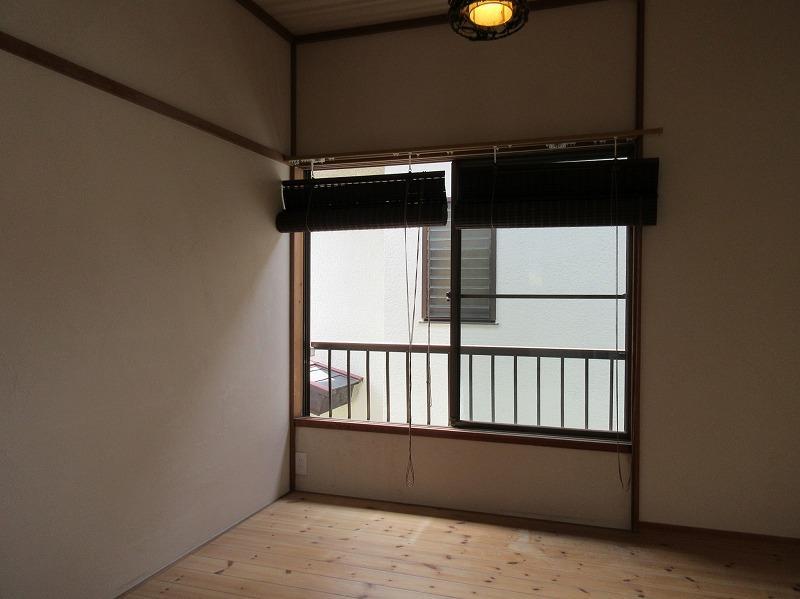 2階の洋室。こちらは、小さめのスペース