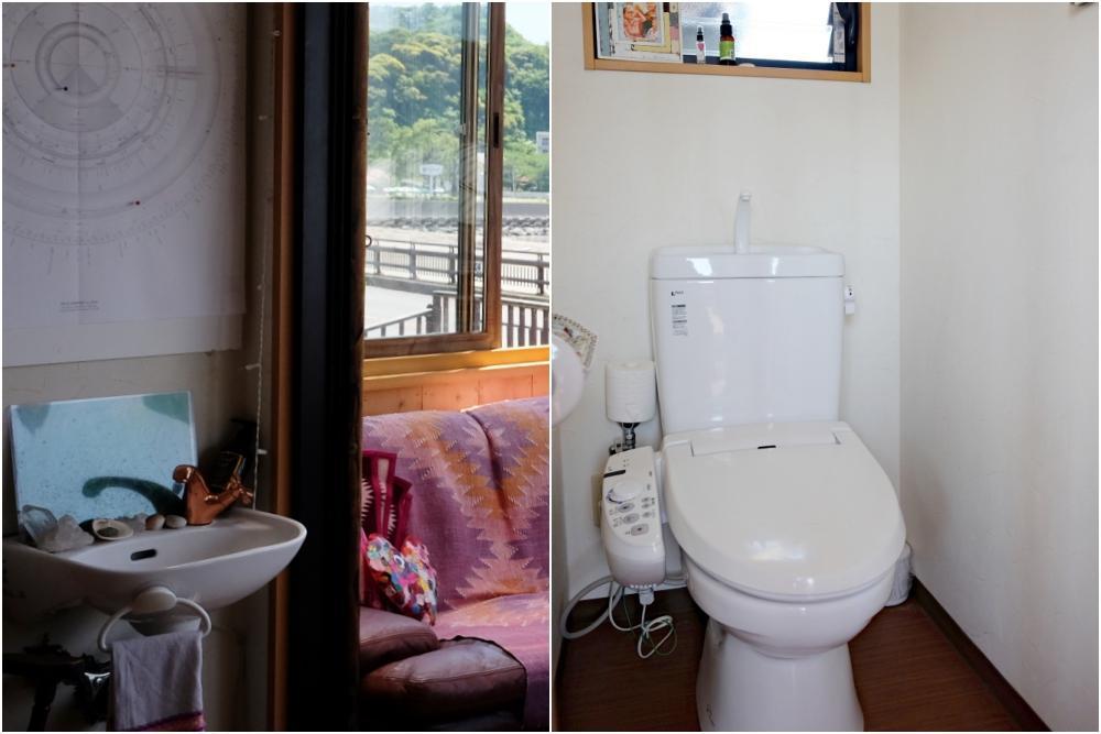 手洗い器が2箇所と専用トイレがあります。