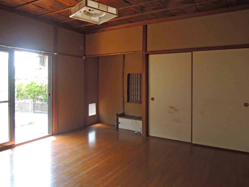 板間の洋室8畳