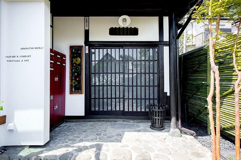 シェアハウスの玄関