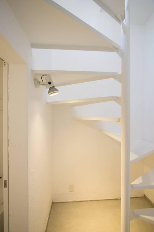 玄関と階段室はオーナー家族と共用になります。