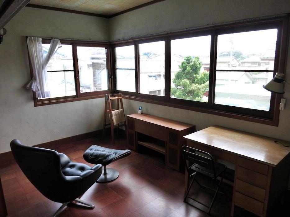 2階の洋室|この窓がとても気に入っています