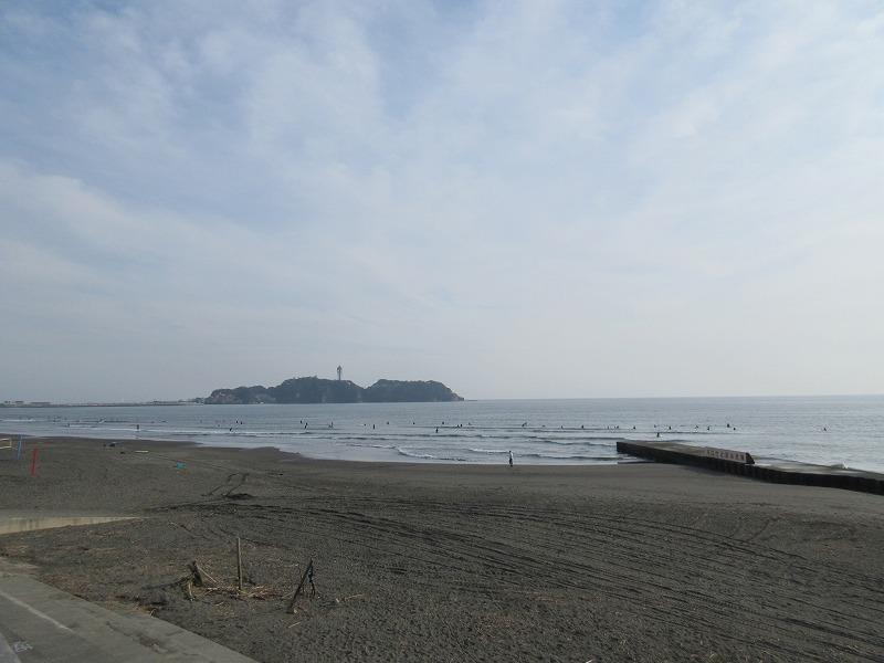 鵠沼海岸で、散歩やランニング。もちろんサーフィンも楽しめる