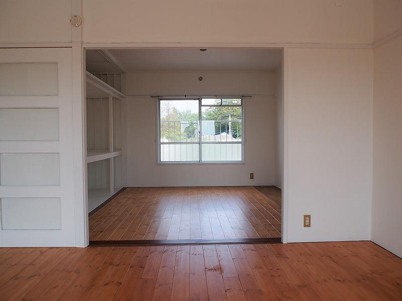 303号室リビング続きの1部屋