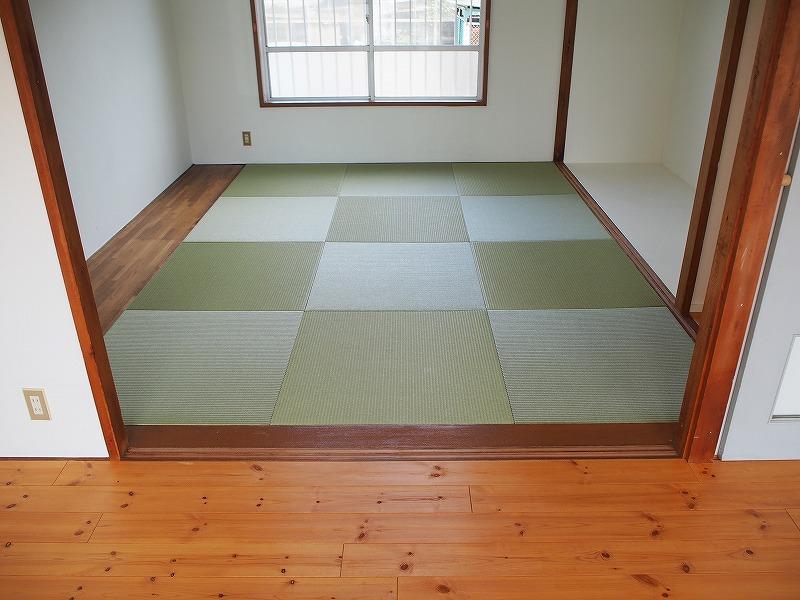 102号室は畳があります。