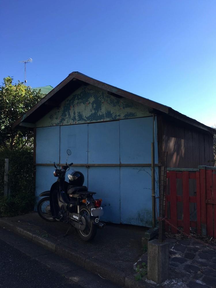 道路に面した倉庫|駐車場が作れそう