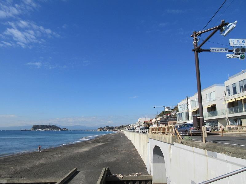 建物と海の位置関係。毎日波チェックができます