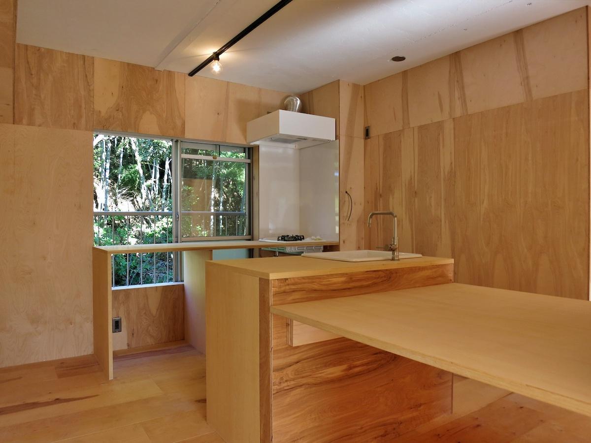 台所にはまだまだ余白がいっぱい|収納は個別な奥行きで造作してみてください