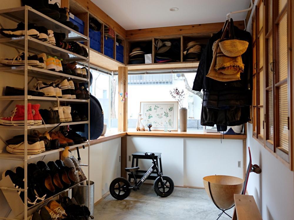 1階 土間。自転車やベビーカーなど土足でガンガン使えるスペースです。